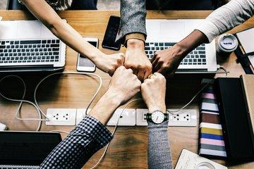 もう本社には頼らない!!kintoneで始める海外拠点の業務効率化セミナー